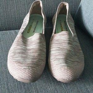 Skechers comfort fit slip on athletic shoe